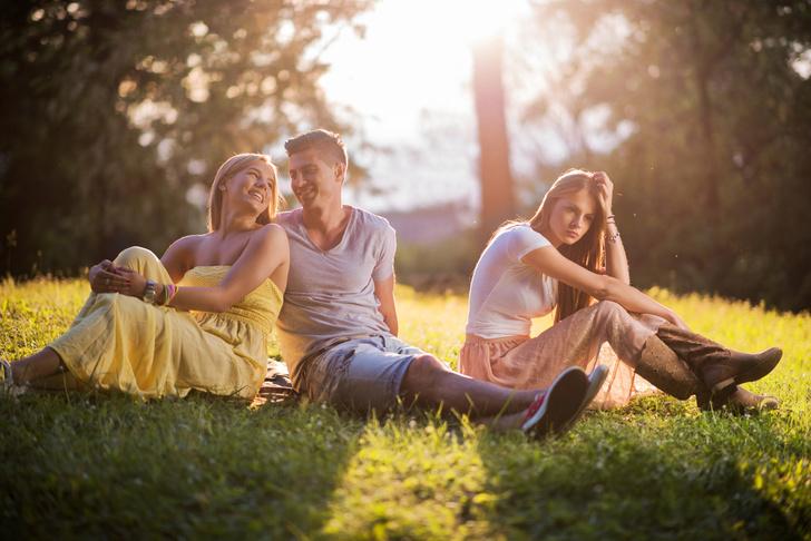 Фото №3 - Need Help: Что делать, если влюбилась в парня своей подруги?