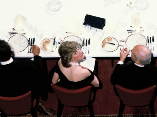 Фото №7 - Почему Диана любила есть за круглым столом, и другие пищевые привычки принцессы Уэльской
