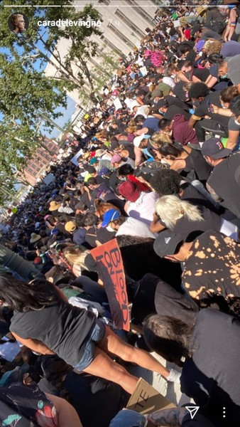 Фото №1 - Коул Спроус, Кайя Гербер и другие звезды нарушили самоизоляцию ради массового протеста в Лос-Анджелесе