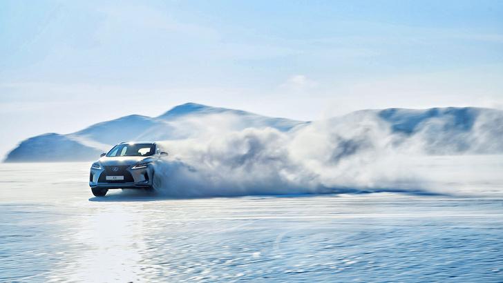 Фото №3 - Lexus покоряет Байкал: лед, вода и медные трубы