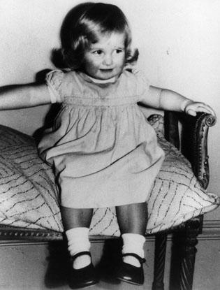 Фото №8 - Угадай кто: на кого больше похожа принцесса Шарлотта