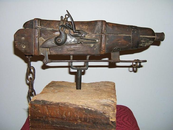 Фото №2 - Зачем на кладбищах XVIII века ставили ружья-ловушки и мины?
