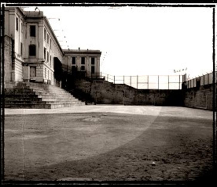 Фото №2 - Выхода нет: 4 самые неприступные тюрьмы мира