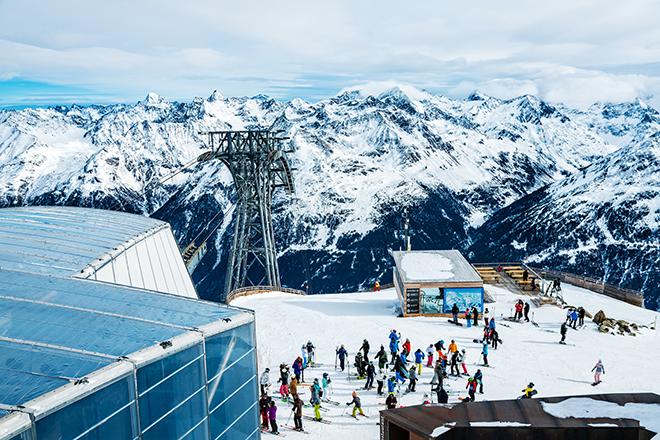 Фото №1 - Зёльден 003: что общего у горнолыжного курорта и Джеймса Бонда
