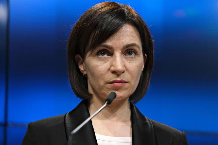 Фото №1 - Ни мужа, ни детей, зато диплом Гарварда и амбиции: президентом Молдавии впервые может стать женщина