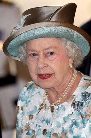Фото №27 - Королева и помада: история одной бьюти-страсти Елизаветы II