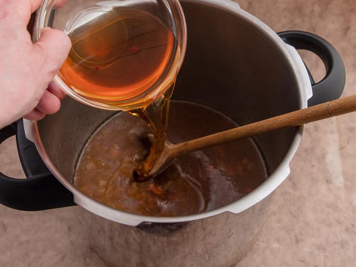 Фото №4 - Идеальная подлива: рецепт Джейми Оливера, который покорит всю вашу семью