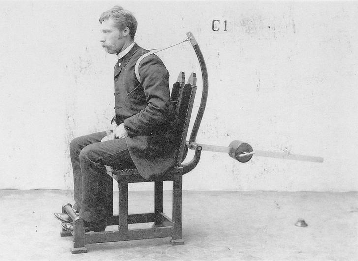 Фото №6 - Бодибилдинг в корсете: как появились и развивались спортивные тренажеры