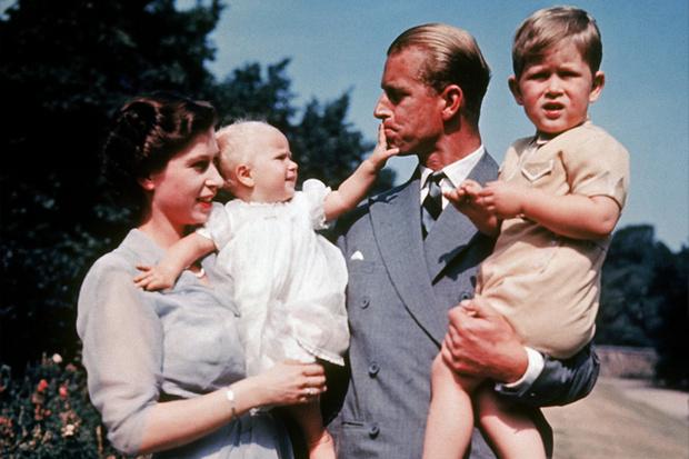 Фото №6 - Королевская любовь длиною в жизнь: Елизавета II и Филипп