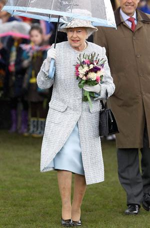 Фото №22 - Виндзорские зонтики: королевский способ спрятаться от дождя