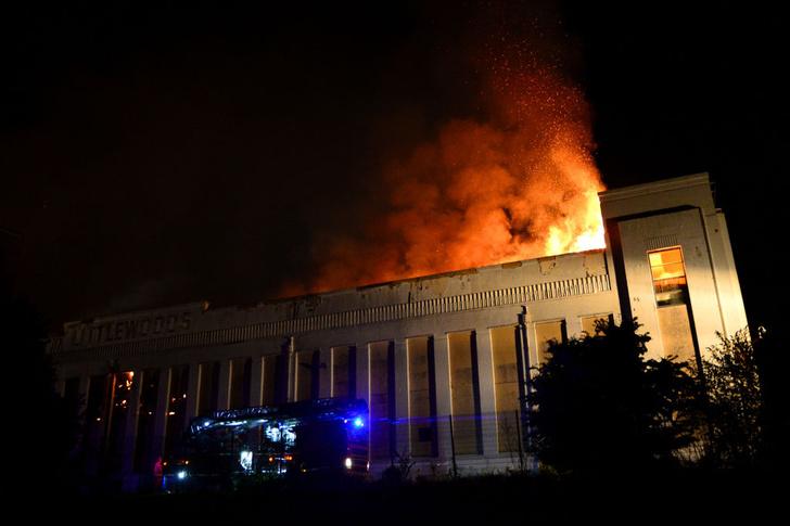Фото №1 - Огонь уничтожил историю