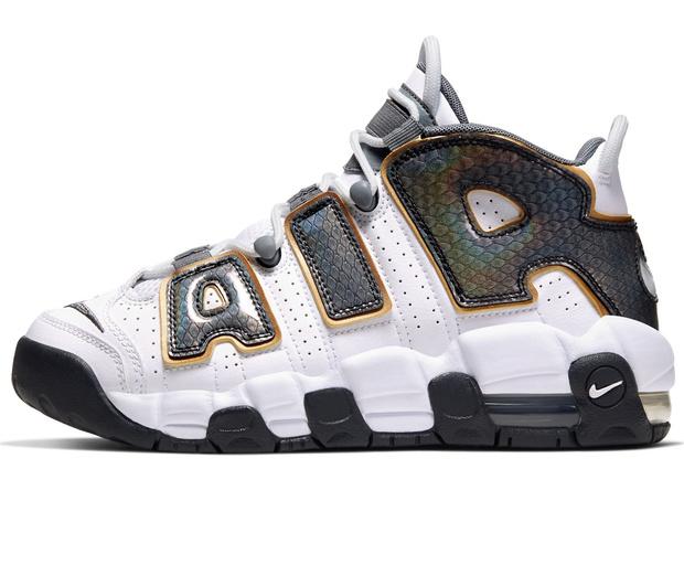 Фото №8 - Топ-10 культовых кроссовок из кино