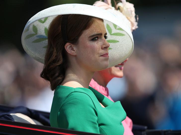Фото №8 - Trooping the Colour 2018: Меган Маркл, Кейт Миддлтон и другие члены королевской семье на ежегодном параде