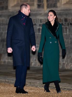 Фото №17 - Все наряды герцогини Кейт в рождественском туре по Великобритании