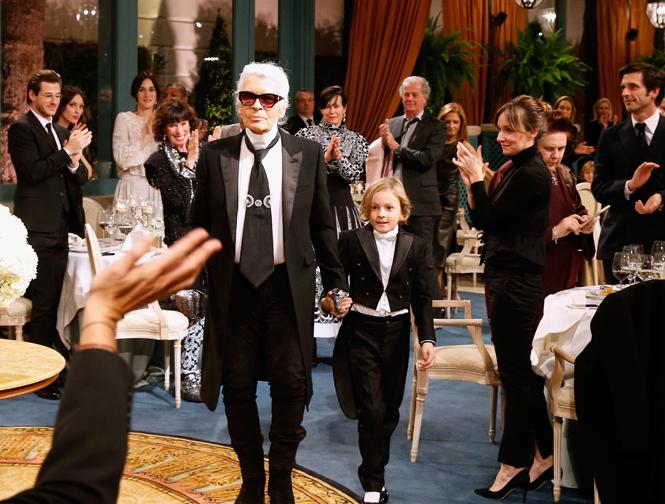 Фото №6 - Показ Chanel Métiers d'Art: возвращение эпохи женственности