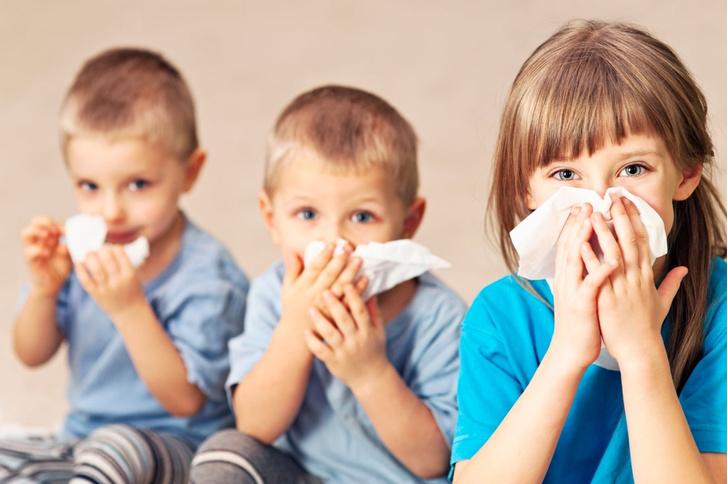 Фото №1 - Ребенок часто болеет: как справиться с бесконечными простудами