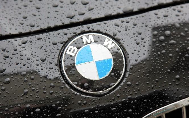 Фото №2 - Не простое украшение: 20 автомобильных эмблем со смыслом