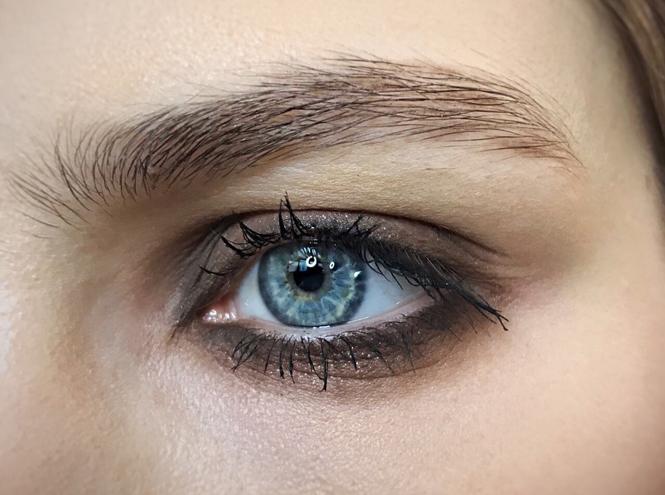 Фото №4 - Как повторить макияж от Елены Крыгиной с показа Александра Терехова