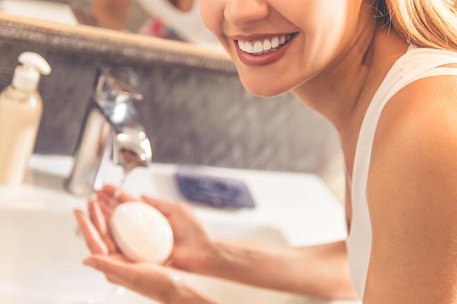 Фото №1 - 40 необычных способов использовать мыло