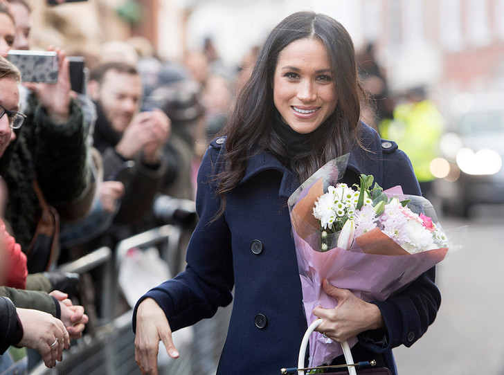 Фото №1 - Непристойная Меган: роялисты подписывают петицию против невесты принца Гарри