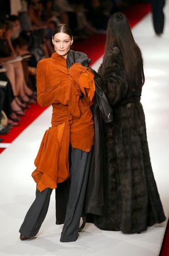Фото №5 - Пять показов Парижской недели моды, перевернувших историю