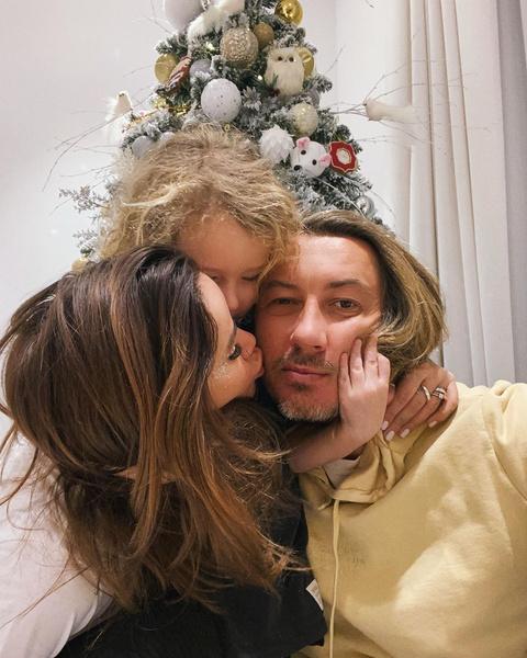 Фото №1 - Айза Анохина рассказала, что ее бывший муж не хочет общаться с сыном