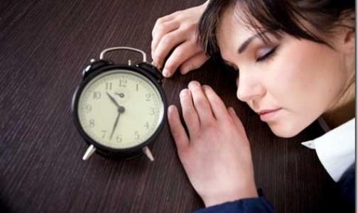 Фото №1 - Больше половины россиян регулярно не высыпаются по ночам