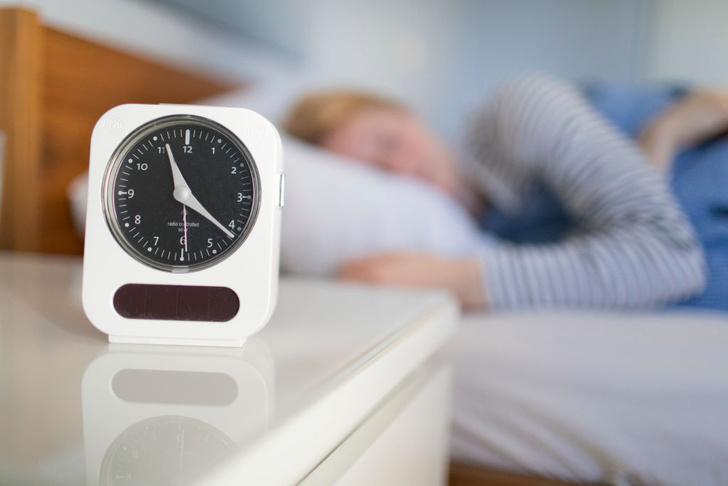 Фото №1 - Насколько полезен длинный сон в выходные