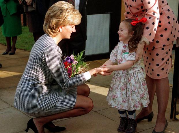 Фото №11 - Немецкие СМИ признали Кейт Миддлтон второй принцессой Дианой