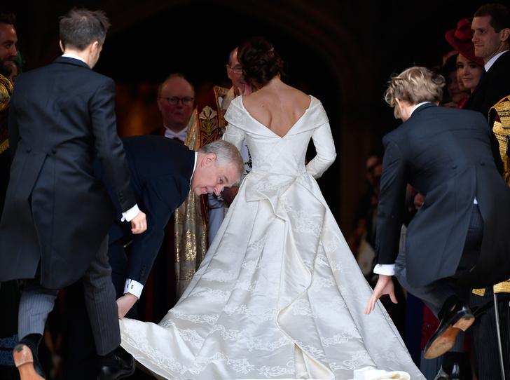 Фото №7 - Настоящая принцесса: свадебный образ Евгении Йоркской