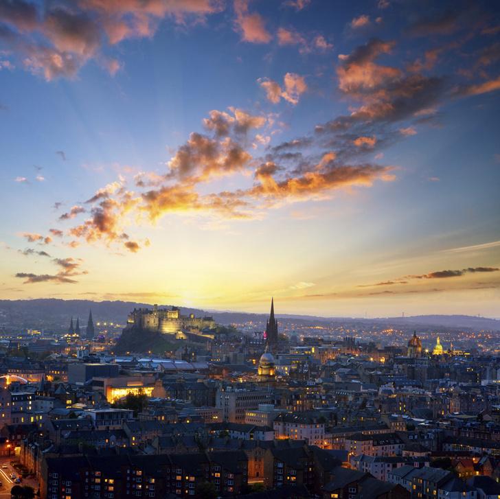 Фото №1 - Эдинбург обогнал Лондон в списке самых популярных городов Великобритании