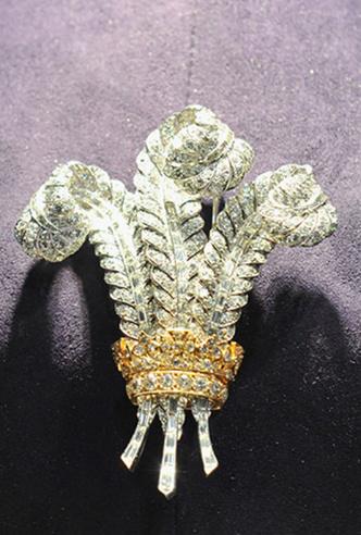 Фото №5 - Брошь Уоллис Симпсон: украшение, за которое боролись принц Чарльз и Элизабет Тейлор