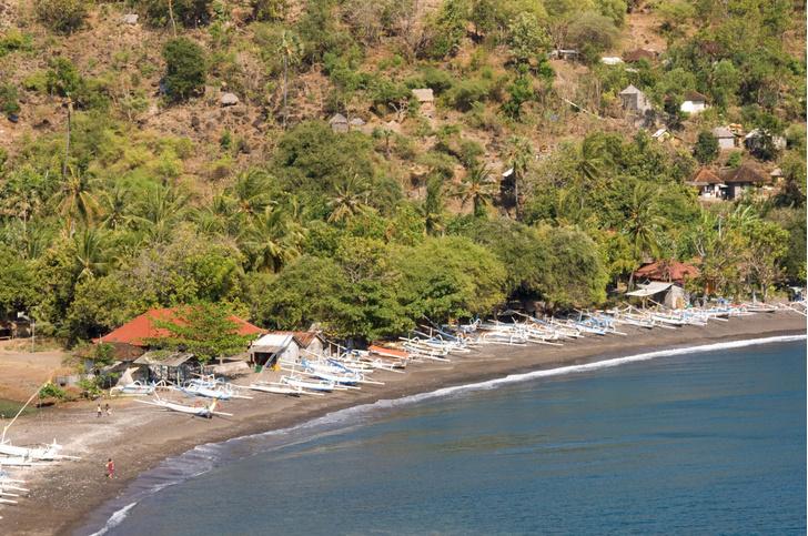 Фото №1 - На Бали планируют ввести туристический налог