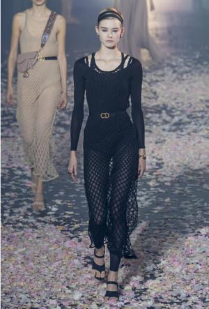 Фото №14 - Плиссе и круазе: как одежда балерин вновь вернулась в моду