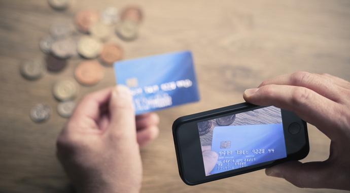 Как нас «разводят на деньги»: о мошенниках и методах защиты
