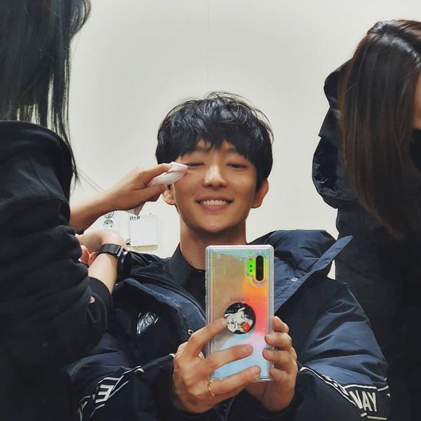 Фото №12 - Топ-20 самых красивых корейских актеров