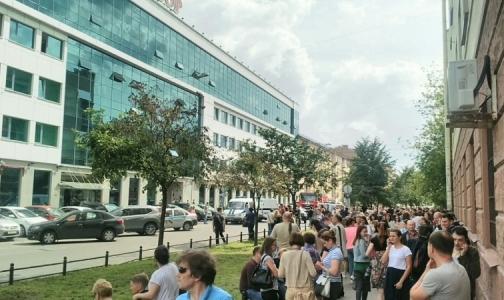 Фото №1 - БЦ «Сенатор» в Петербурге эвакуировали из-за угроз обиженного врача