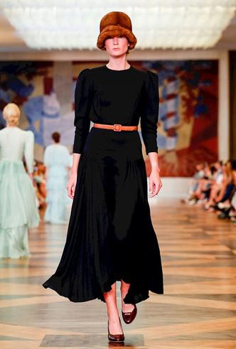 Фото №9 - Единороги в СССР: Ulyana Sergeenko Couture FW18