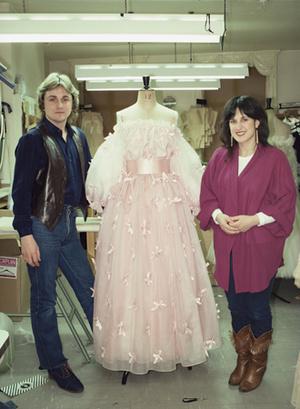 Фото №4 - Секретное свадебное платье принцессы Дианы