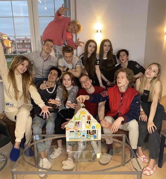 Фото №3 - Just Team House— о популярности в TikTok и планах на лето
