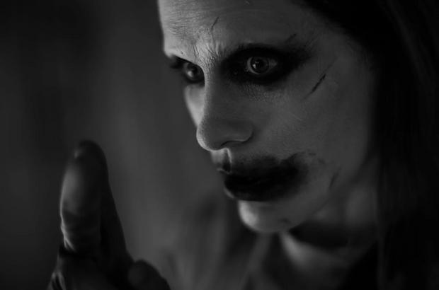 Фото №2 - Must see: две новые фотографии Джокера в исполнении Джареда Лето