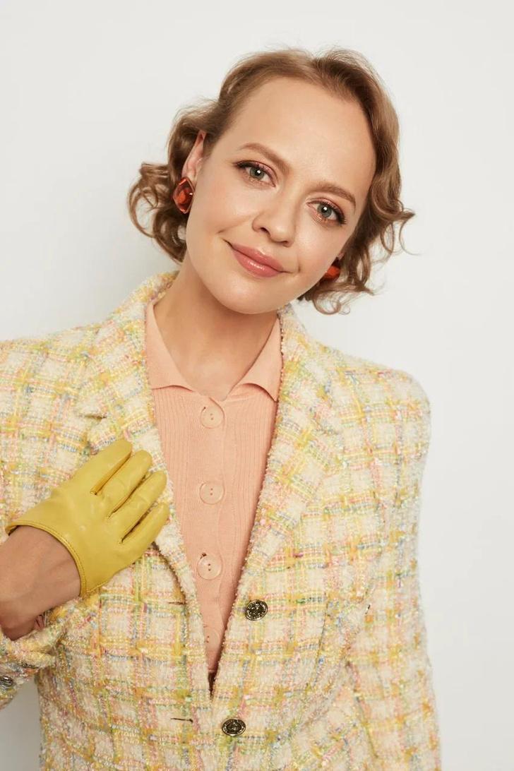 Фото №2 - Как правильно ухаживать за винтажной одеждой и украшениями?
