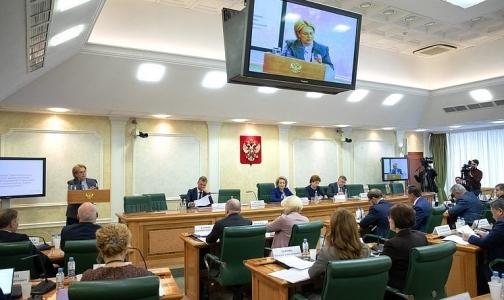 Фото №1 - Вероника Скворцова: Регионы не следуют рекомендациям и закупают самые дешевые онкопрепараты