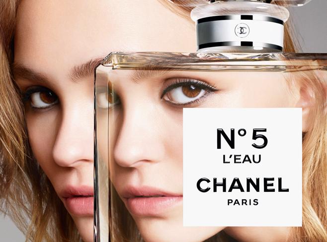 Фото №1 - Лилли-Роуз Депп в новой рекламной кампании Chanel №5 «L'Eau»