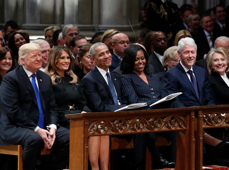 Фото №3 - Почему Мишель Обама отказалась фотографироваться с Трампами