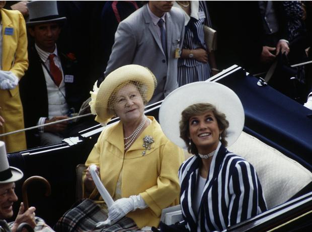 Фото №3 - Плохая партия: почему Королева-мать любила Сару Фергюсон больше, чем принцессу Диану