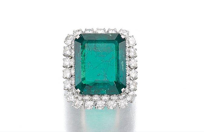Изумрудное кольцо (80–120 тыс. фунтов стерлингов)