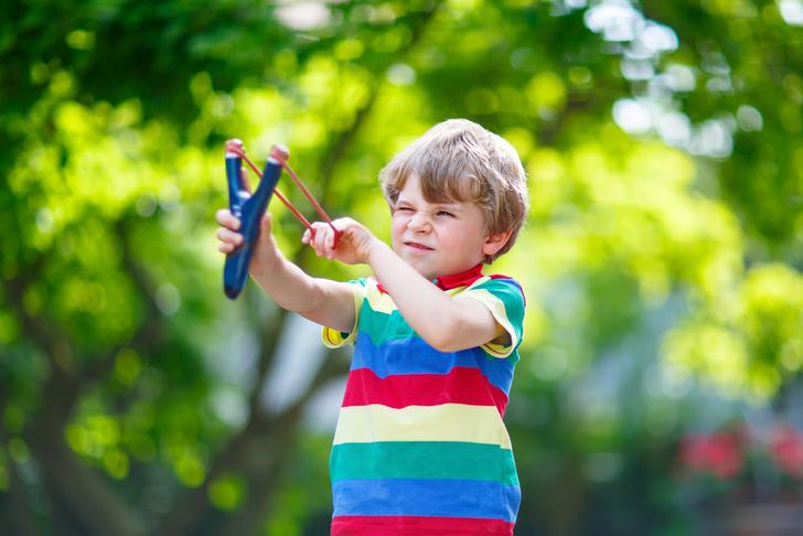 Фото №1 - Как научить малыша беречь вещи