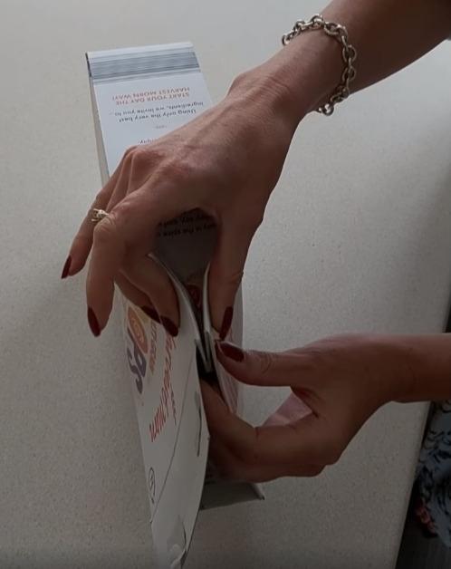 Фото №4 - Британка предложила лайфхак, как правильно закрывать коробки с крупами и хлопьями. Видео набрало 3,5 миллиона просмотров