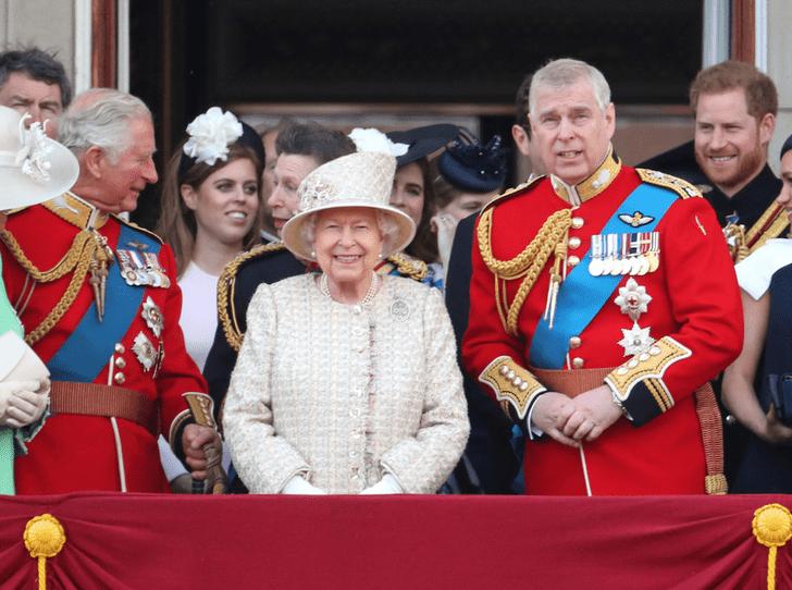 Фото №2 - Принцу Эндрю запрещено присутствовать на параде в честь дня рождения королевы